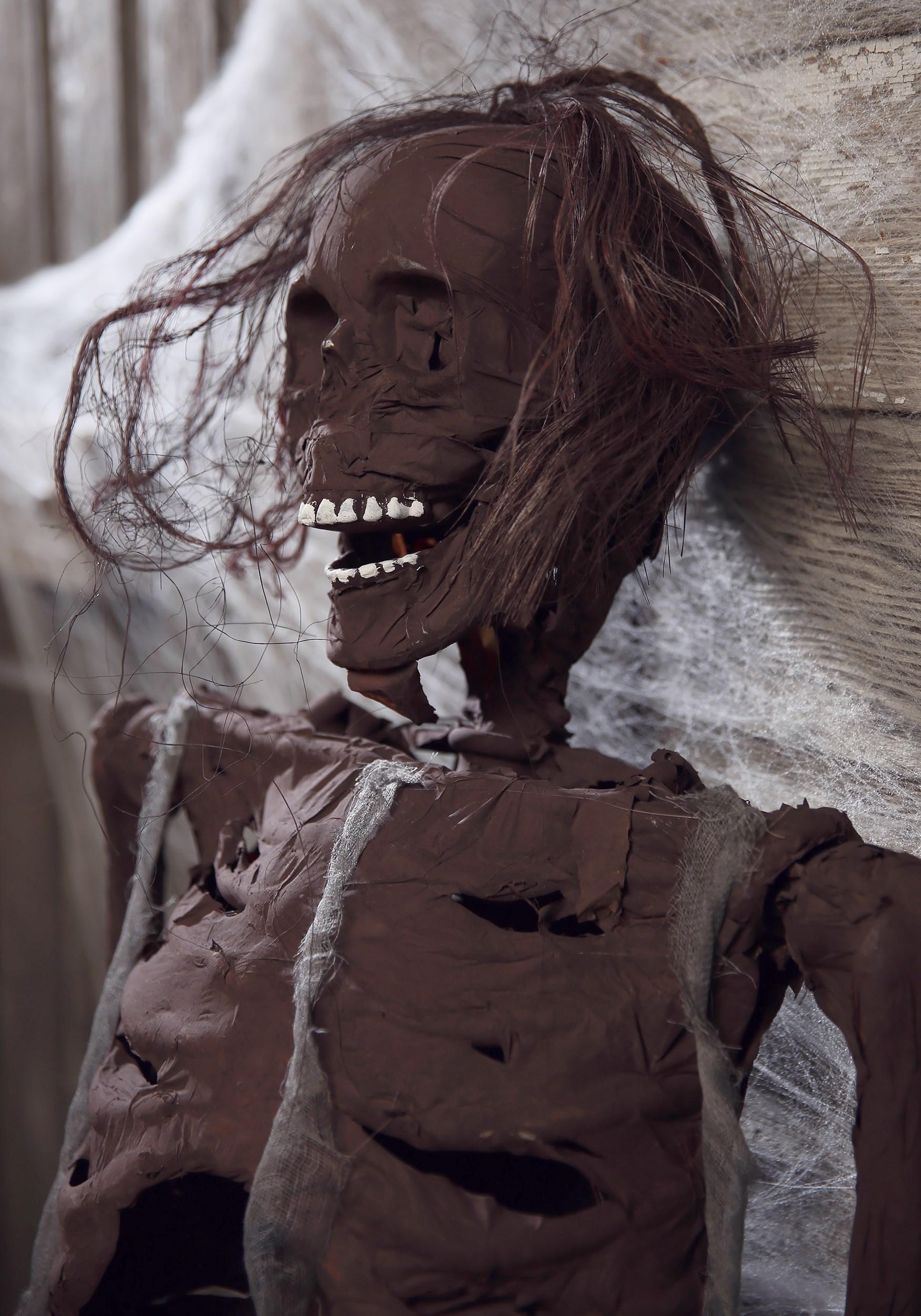Hanging Rotted Skeleton