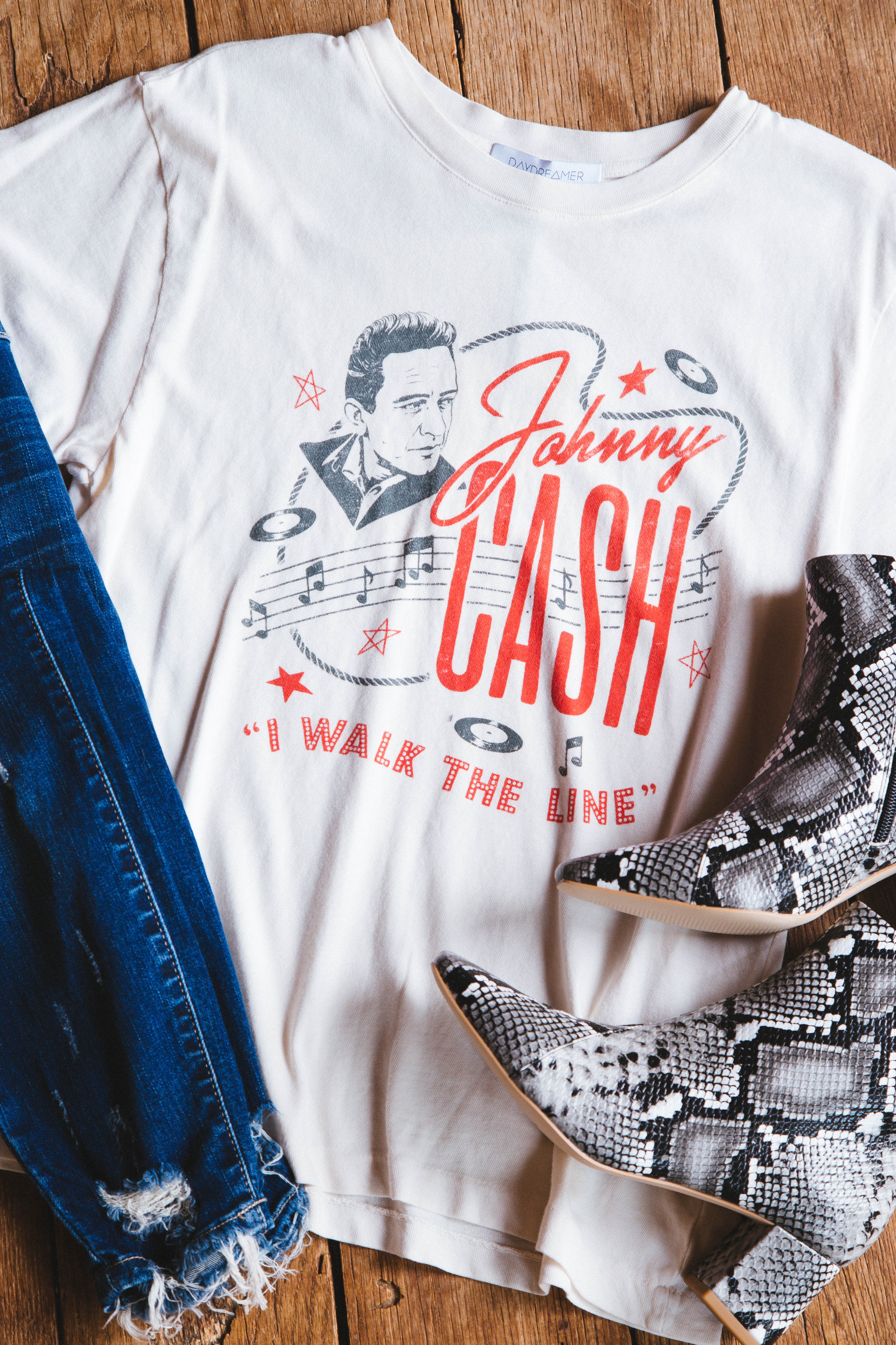 Johnny Cash Walk The Line Tour Tee Off White | DayDreamer