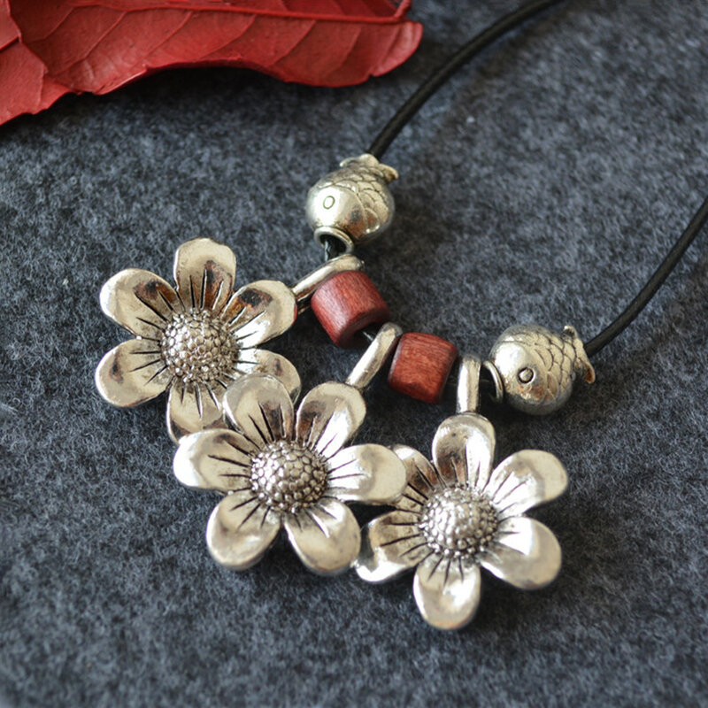 Ethnic Daisy Wood Beaded Long Necklace Fish Pendant Wax Rope Sweater Chain Vintage Jewelry