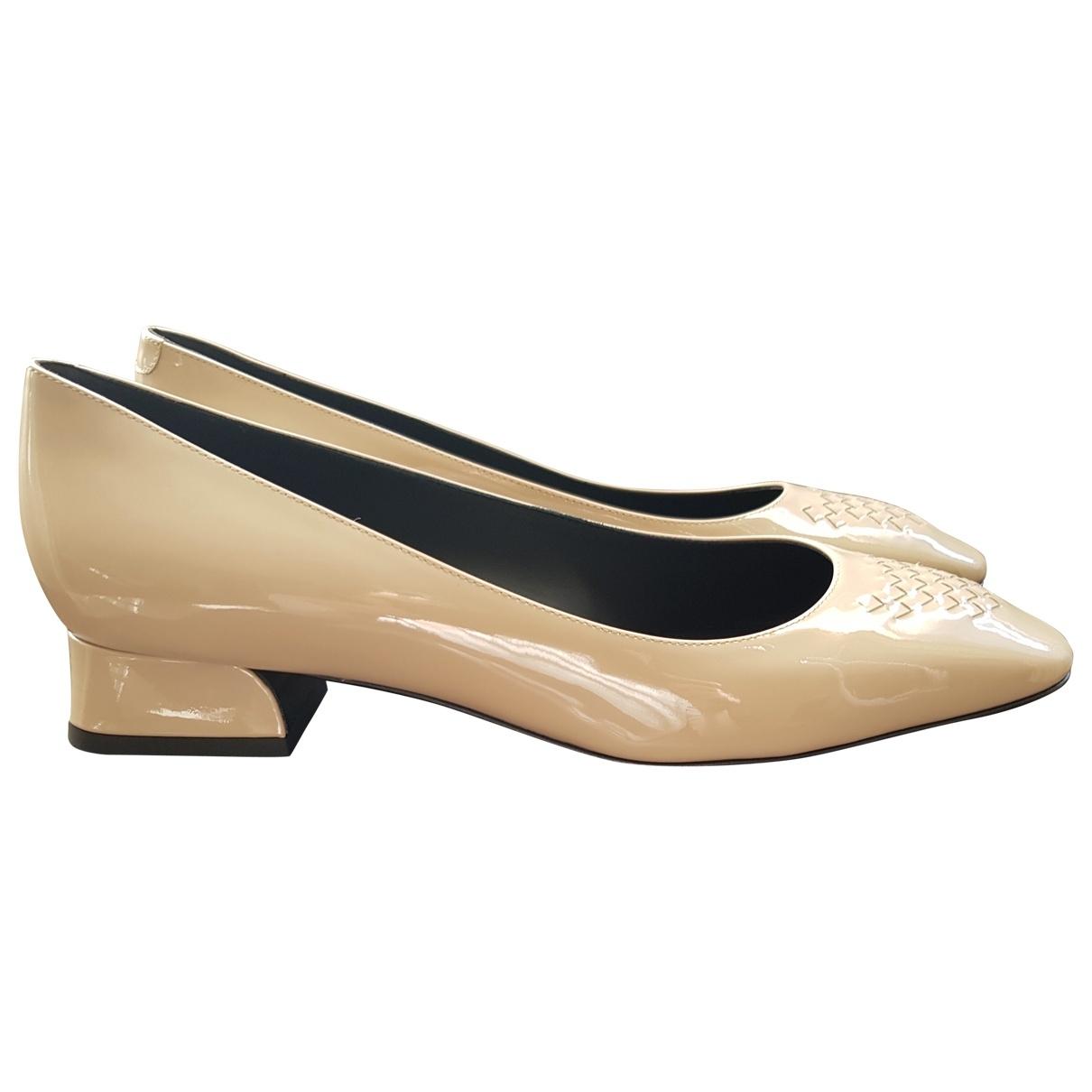 Bottega Veneta \N Beige Patent leather Heels for Women 40 EU