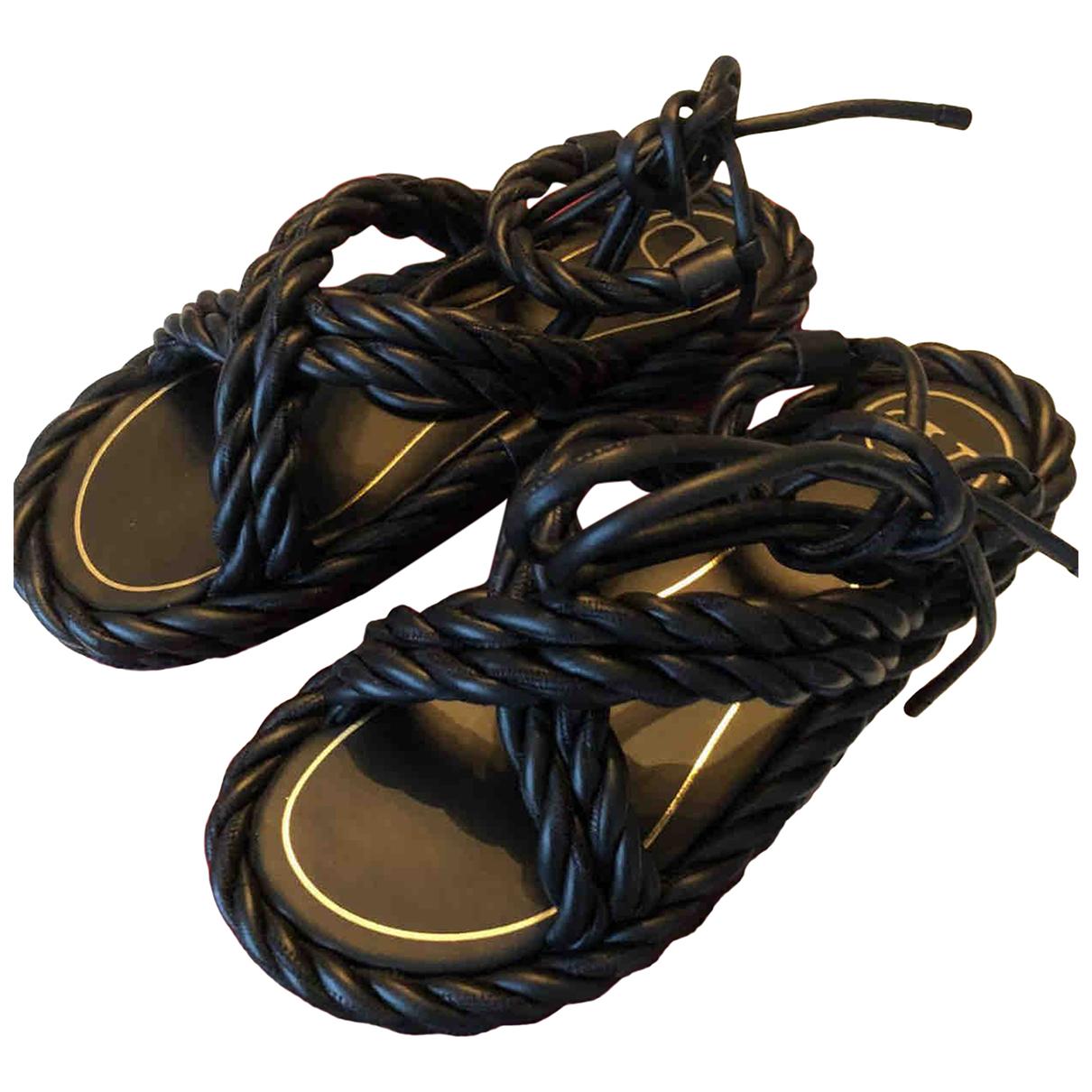 Valentino Garavani \N Black Leather Sandals for Women 37 EU