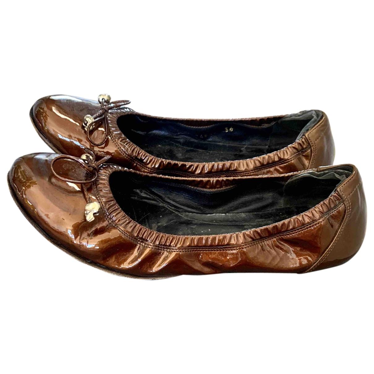 Alexander Mcqueen \N Camel Patent leather Ballet flats for Women 36 EU