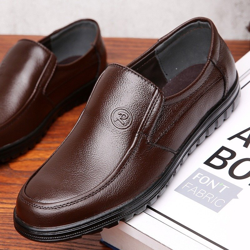 Men Pure Color Soft Sole Slip On Casual Driving Leather Shoes