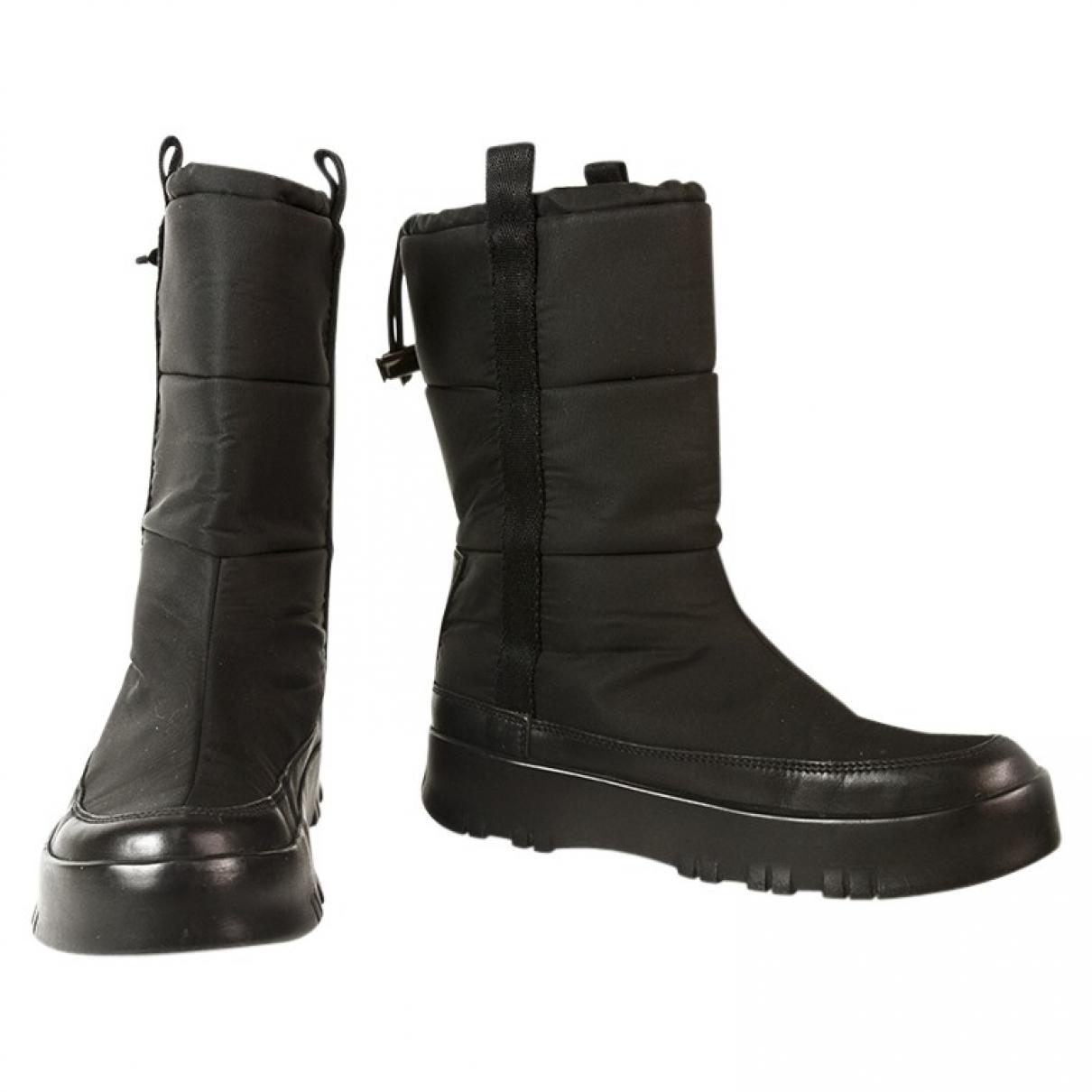 Prada \N Black Boots for Women 36 EU