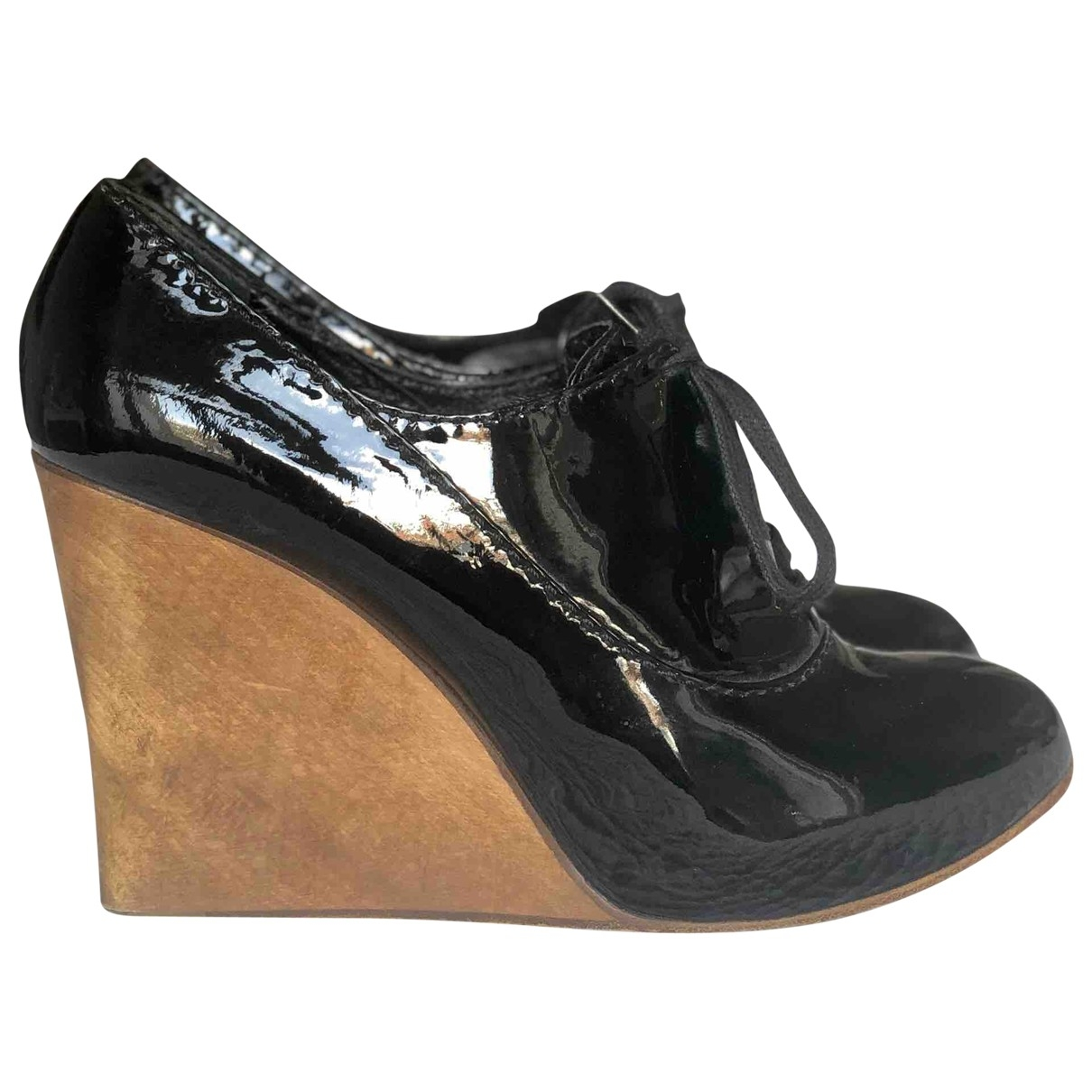 Chloé \N Black Patent leather Lace ups for Women 39 EU