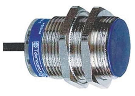 Telemecanique Sensors M30 x 1.5 Inductive Sensor - Barrel, NPN-NC Output, 10 mm Detection, IP67, Cable Terminal
