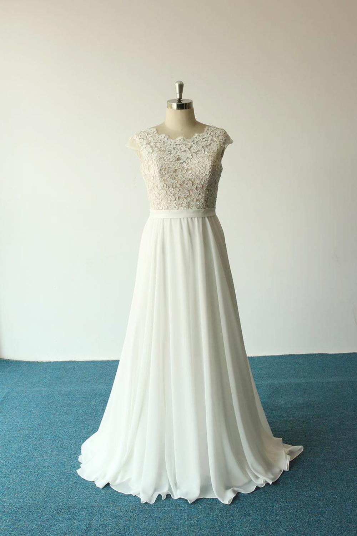 BMbridal Elegant A-line White Chiffon Wedding Dress Sleeveless Appliques Bridal Gowns On Sale