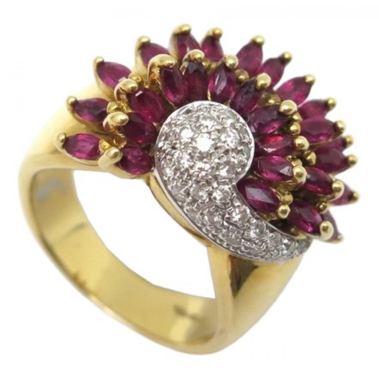 Non Signé / Unsigned \N Gold Yellow gold ring for Women 53 MM