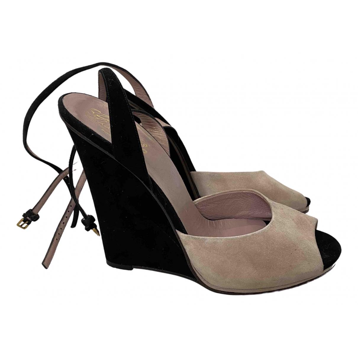 Gucci \N Beige Suede Sandals for Women 40 EU