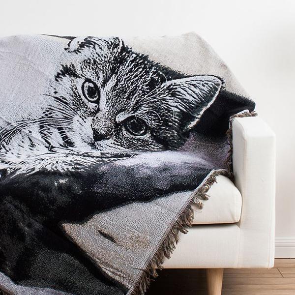 Vogue Fire-eyed Cat Print Super Cozy Cotton Blanket