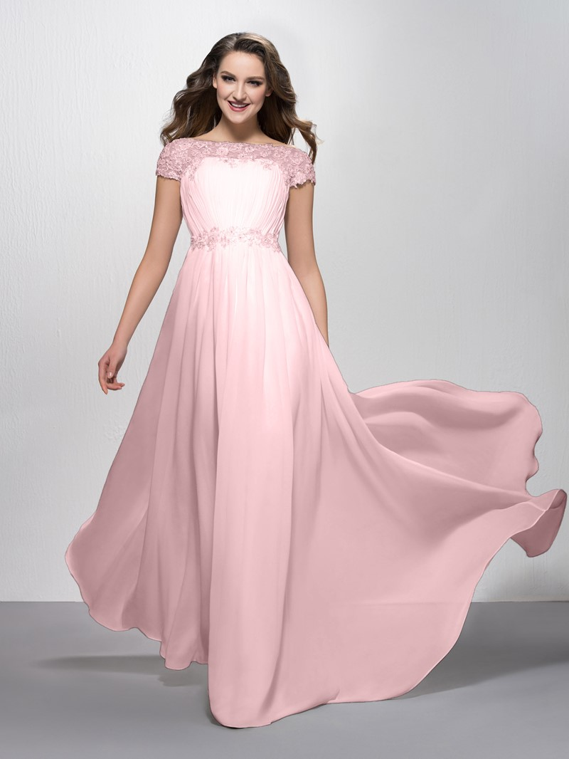 Fancy Appliques Bateau Neckline Short Sleeves Evening Dress