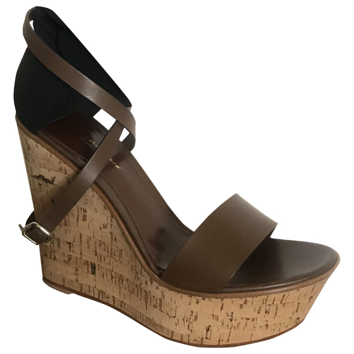 Gianvito Rossi \N Brown Leather Sandals for Women 39 EU