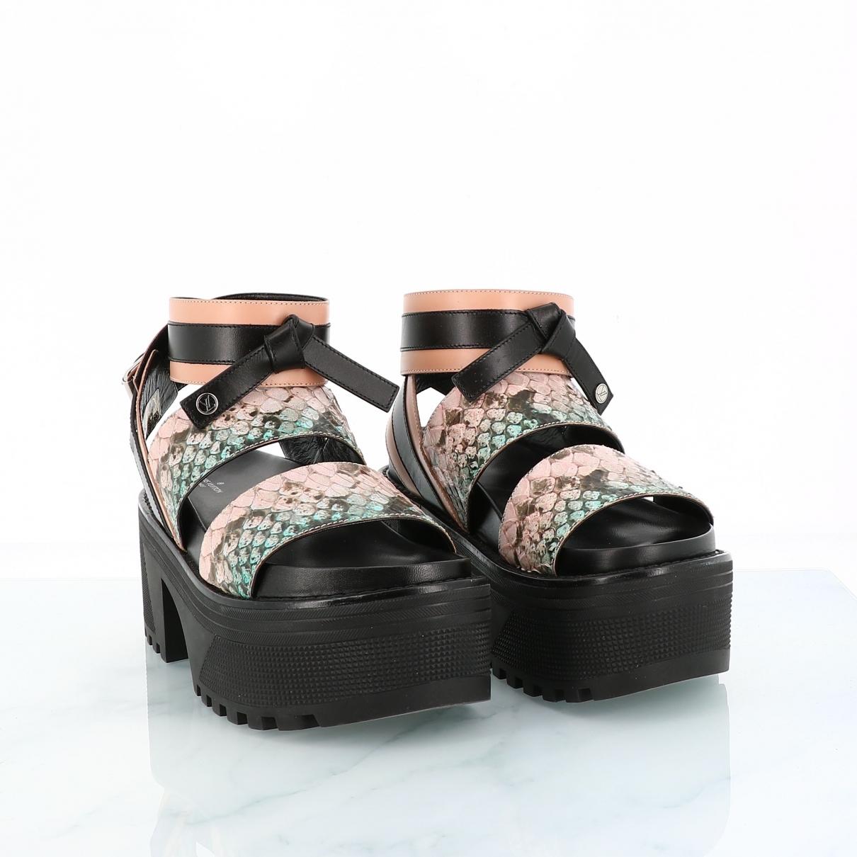 Louis Vuitton \N Black Leather Sandals for Women 38 EU