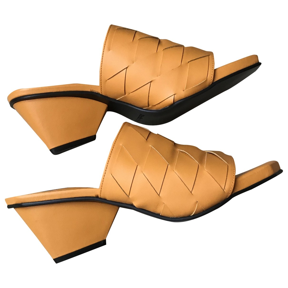 Reike Nen \N Yellow Leather Sandals for Women 39 EU