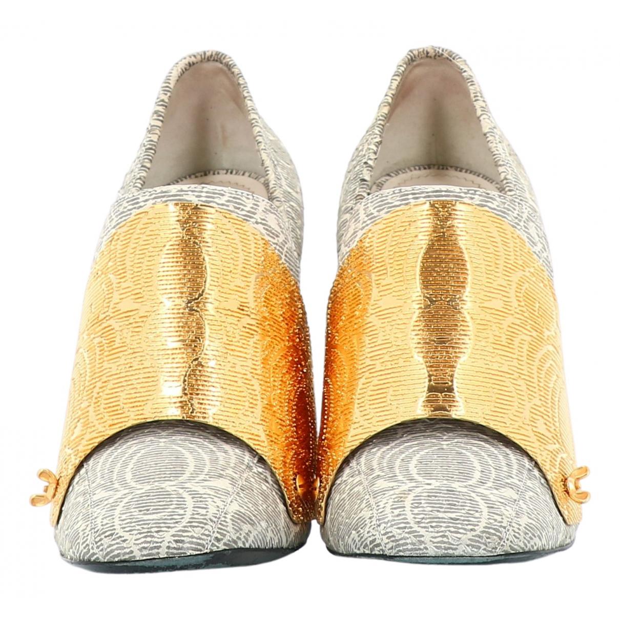 Yves Saint Laurent \N Grey Leather Heels for Women 39.5 EU