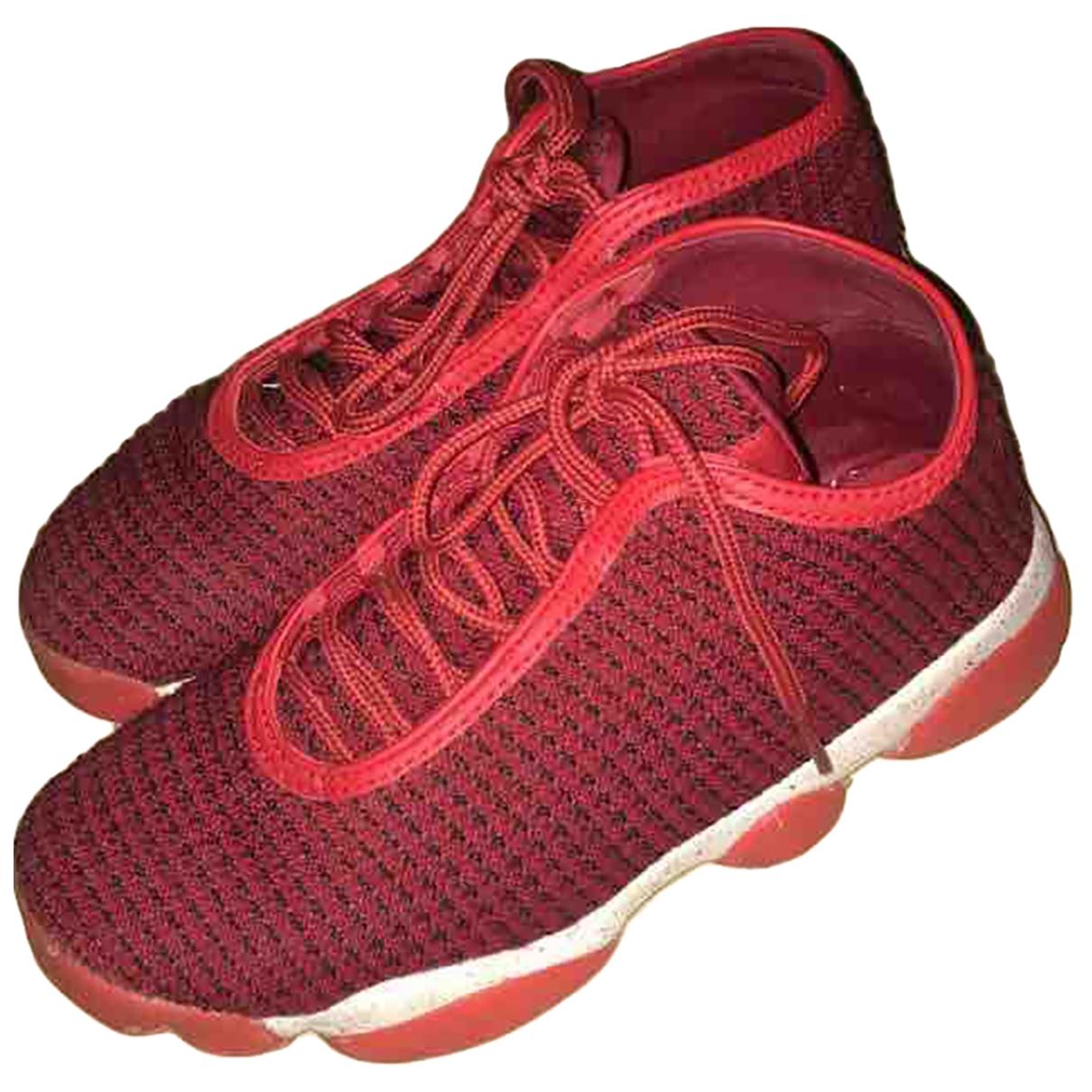 Jordan \N Red Cloth Trainers for Women 39 EU