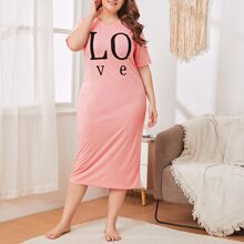 Plus Letter Graphic Nightdress