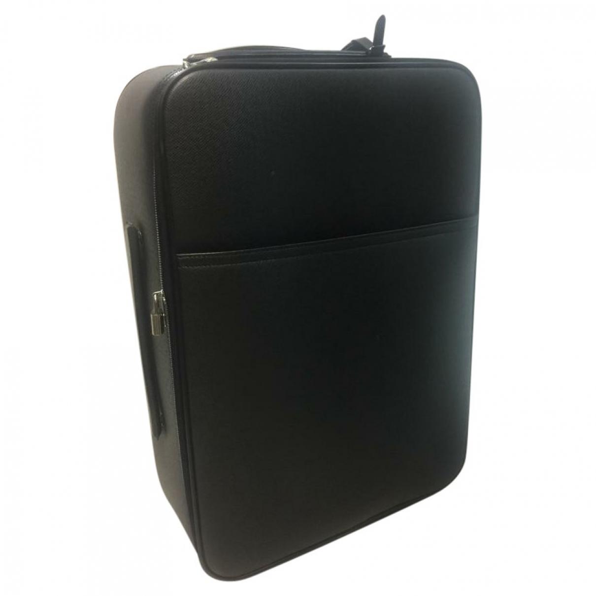 Louis Vuitton Pegase Black Leather Travel bag for Women \N