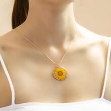 Floral Decor Necklace