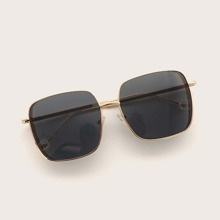 Square Metal Frame Sunglasses With Case
