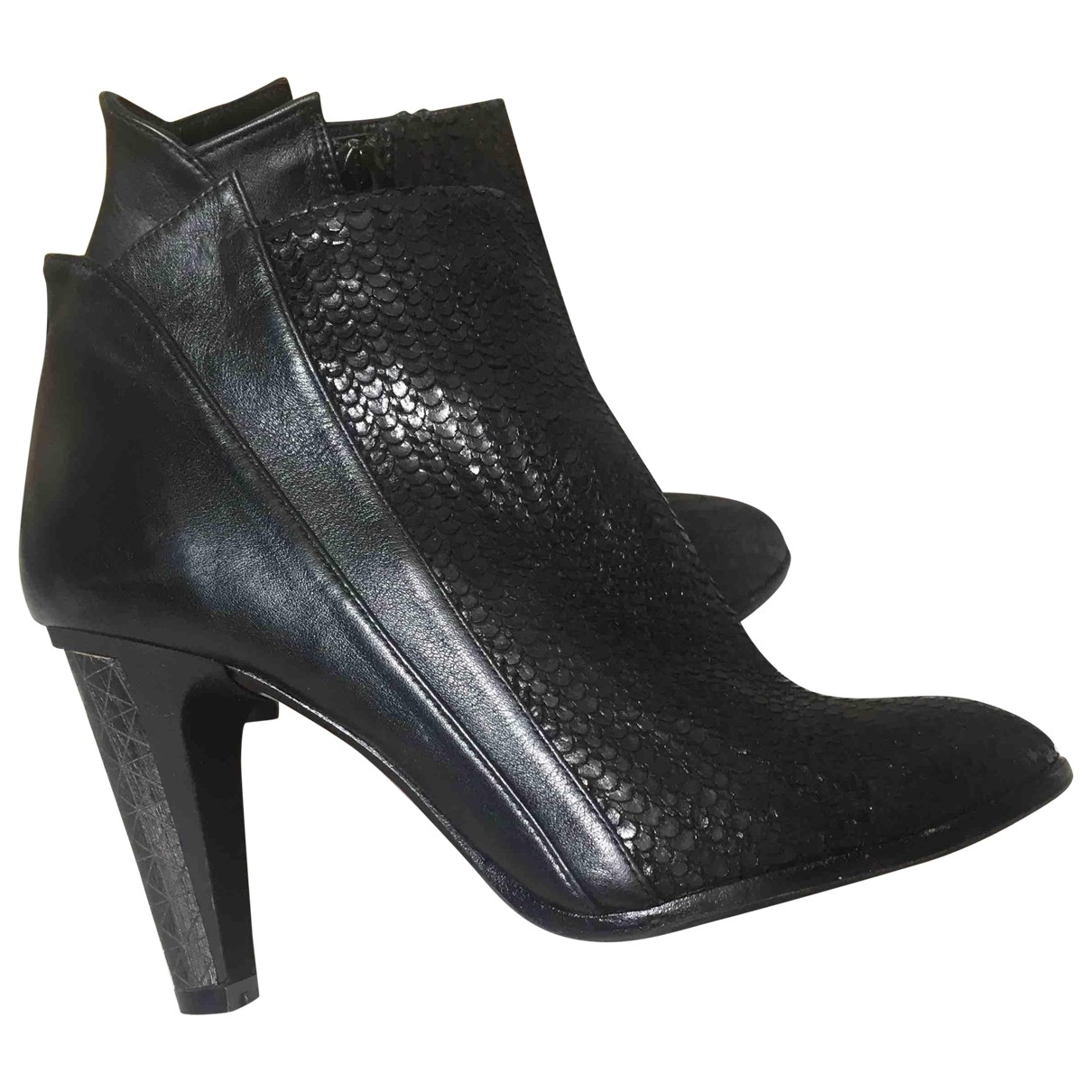 Non Signé / Unsigned \N Black Python Ankle boots for Women 36 EU