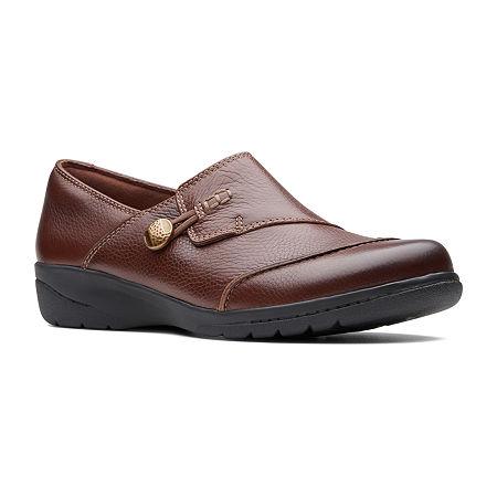 Clarks Womens Cheyn Misha Round Toe Slip-On Shoe, 8 Wide, Brown