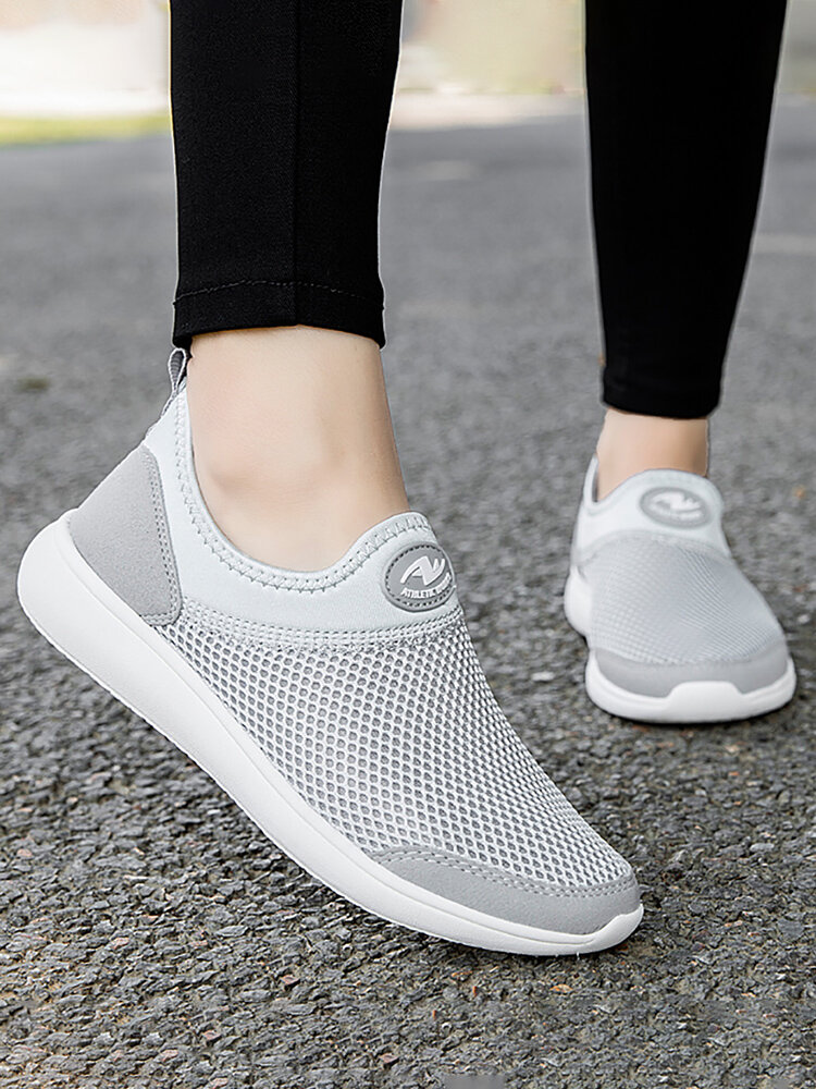 Women Walking Breathable Mesh Knit Slip On Flat Sneakers