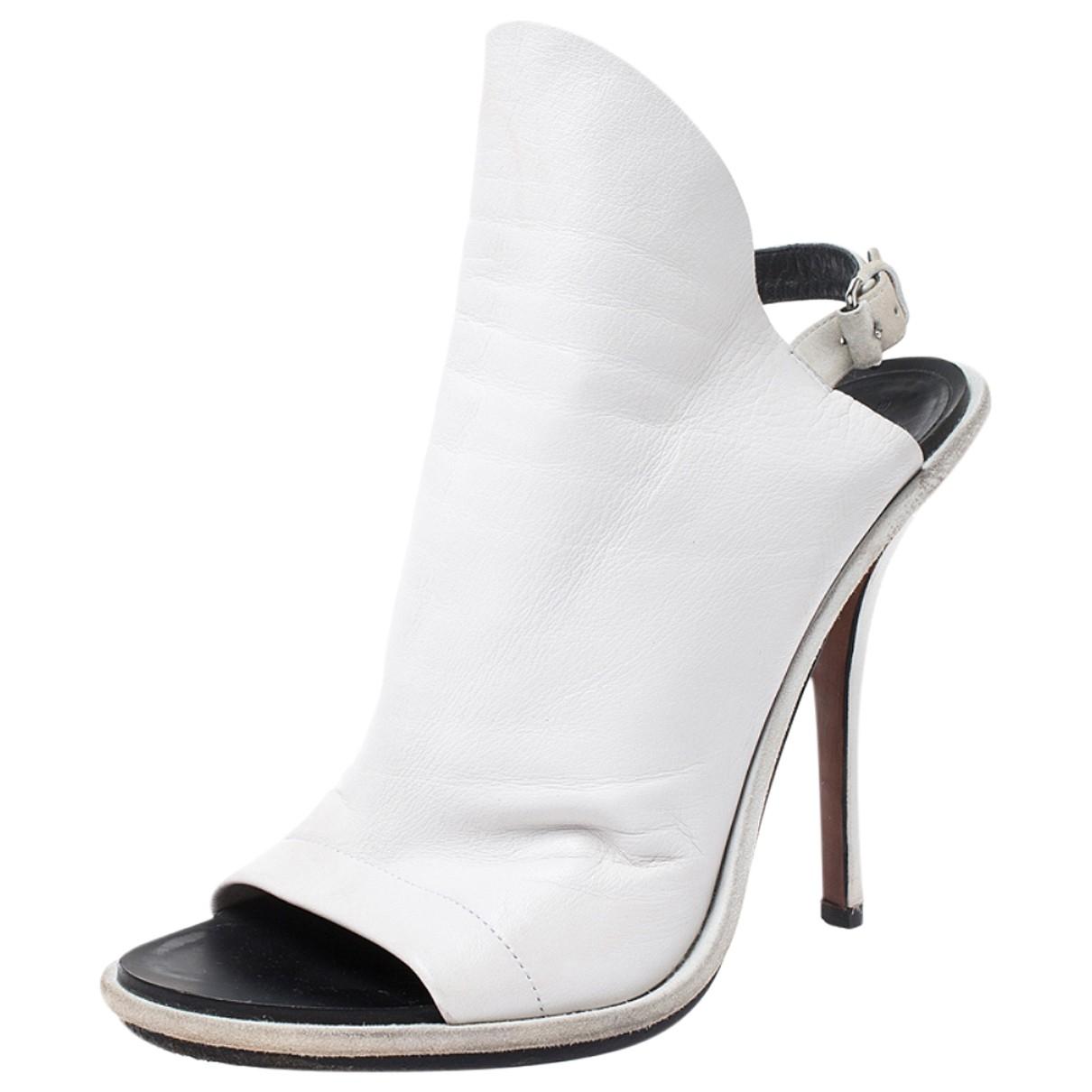 Balenciaga \N White Leather Sandals for Women 9 US