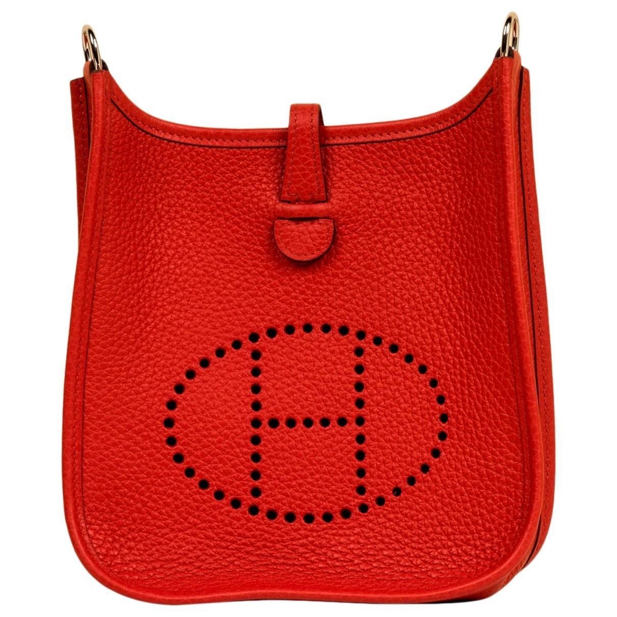Hermès Evelyne Red Leather handbag for Women \N
