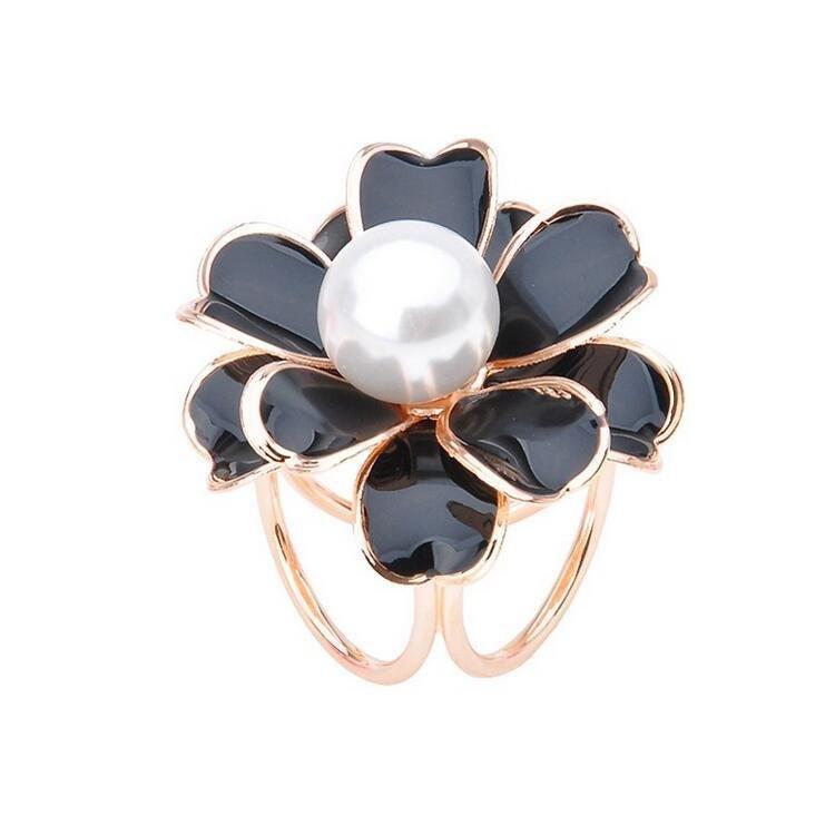 Elegant Black White Flower Pearls Scarf Buckle Charm Gift for Women