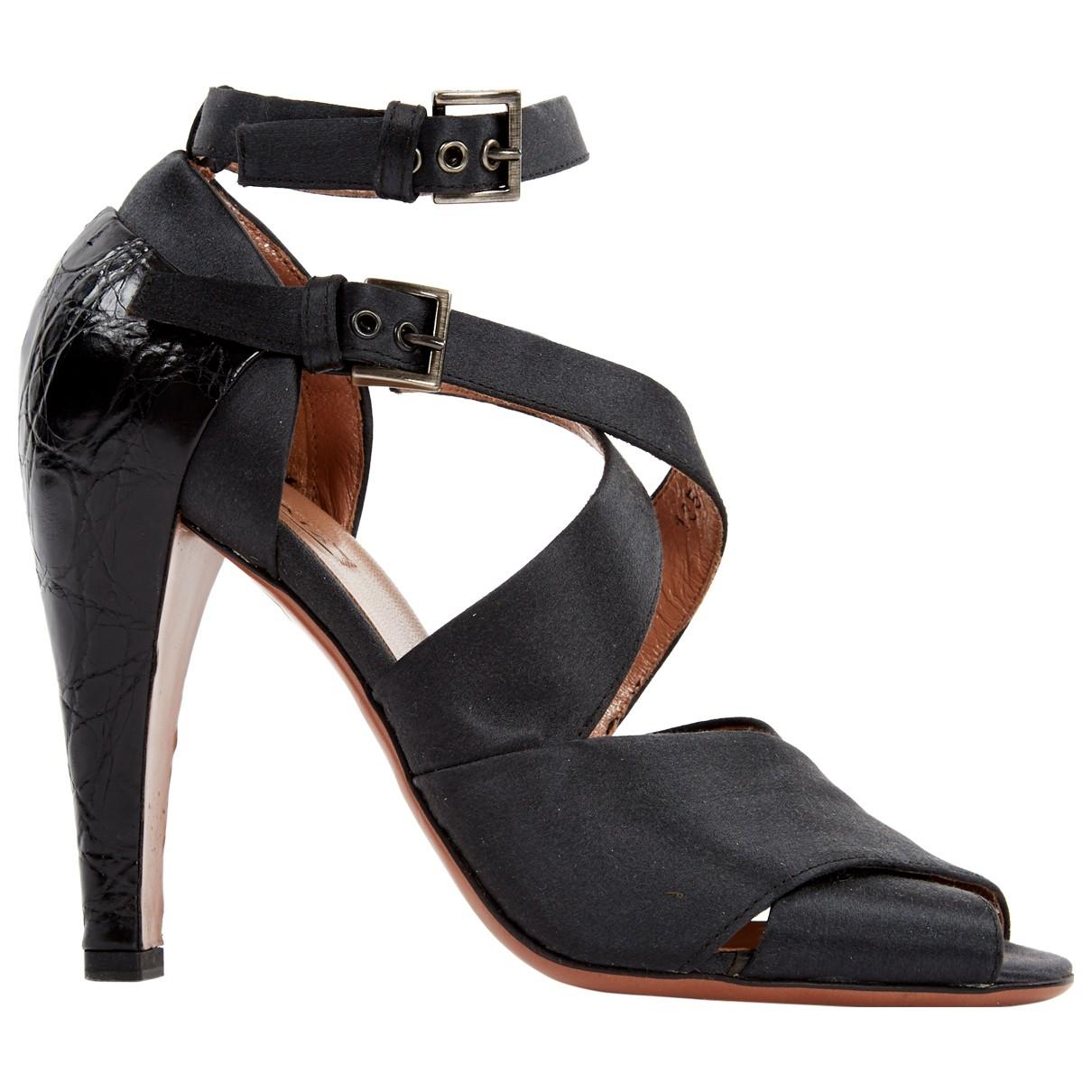 Alaïa \N Black Cloth Heels for Women 37 EU