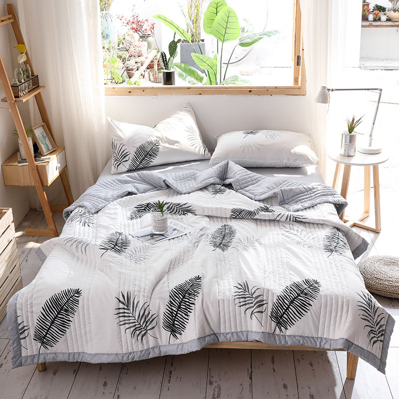 Classic Leaves Air Conditioner Quilt Summer Cool Quilt Thin Quilt Spring and Autumn Blanket