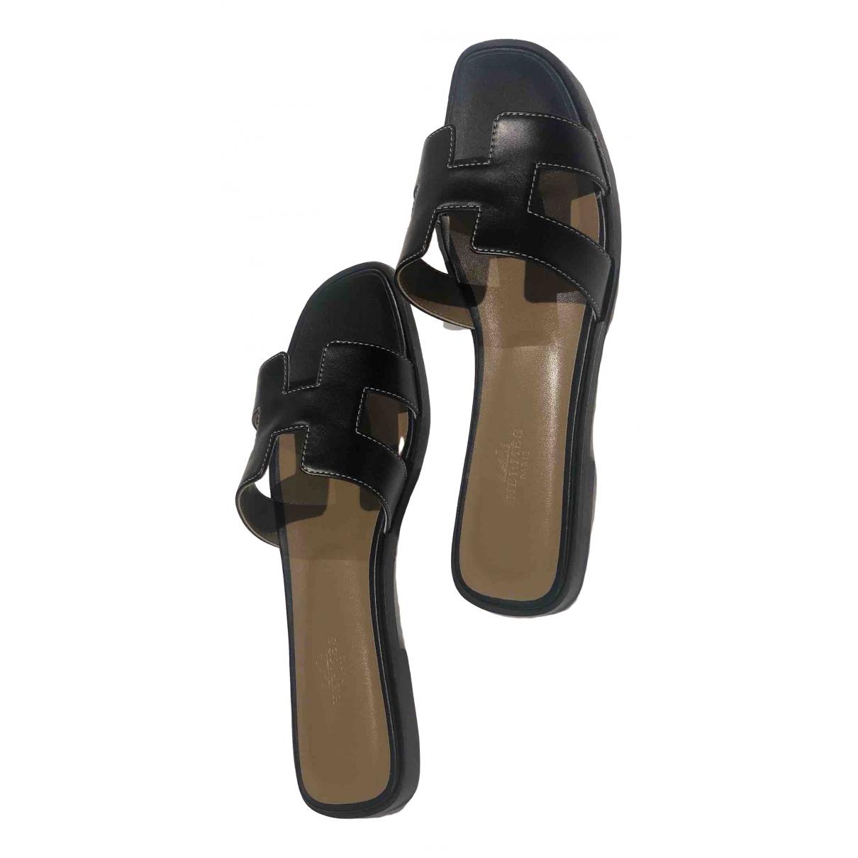Hermès Oran Black Leather Sandals for Women 38.5 EU