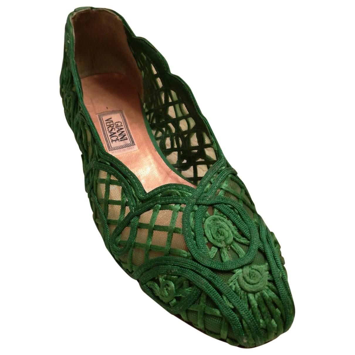 Gianni Versace \N Green Cloth Ballet flats for Women 37 EU