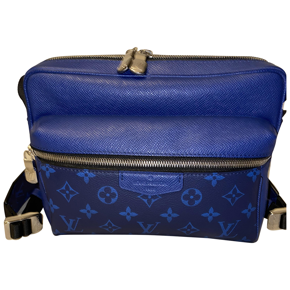 Louis Vuitton Outdoor Blue Cloth bag for Men \N