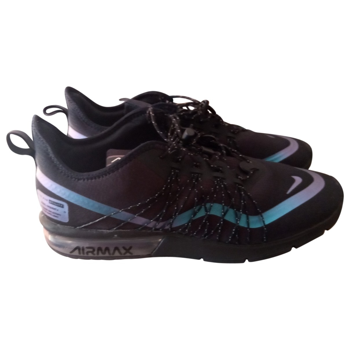 Nike Air Max  Sneakers in  Schwarz Leinen