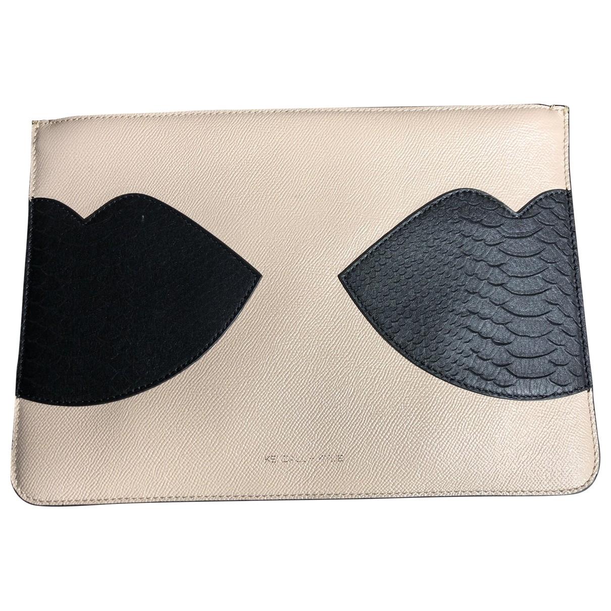Kendall + Kylie \N Beige Leather Clutch bag for Women \N