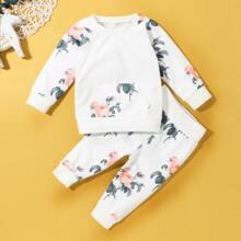 Baby Girl Floral Print Kangaroo Pocket Sweatshirt & Sweatpants