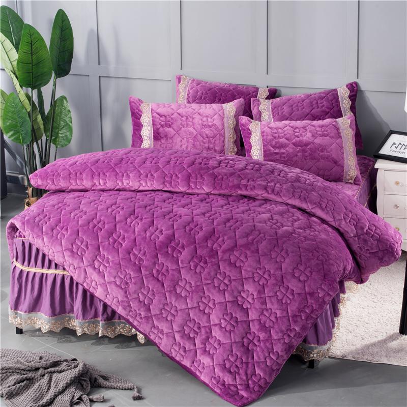 Simple Geometric Pattern Solid Crystal Velvet Bed Skirt 4-Piece Bedding Sets/Duvet Cover