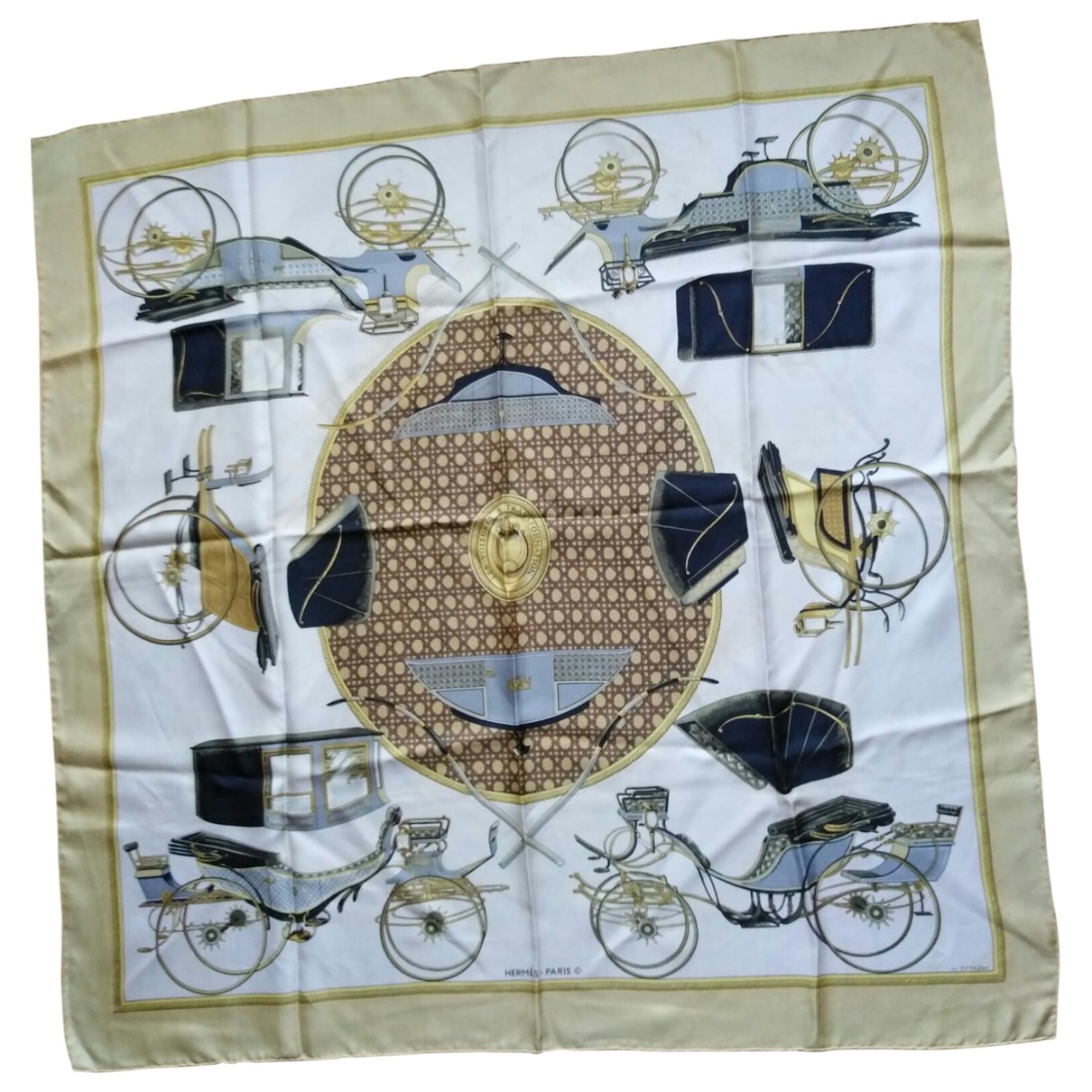 Hermès Carré 90 Gold Silk Silk handkerchief for Women \N