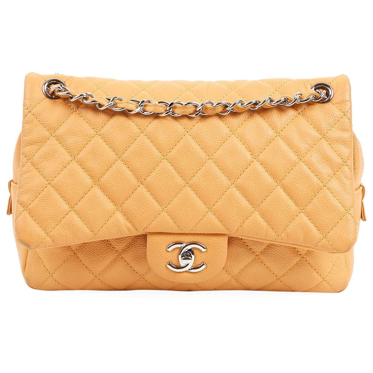 Chanel Timeless/Classique Beige Leather handbag for Women \N