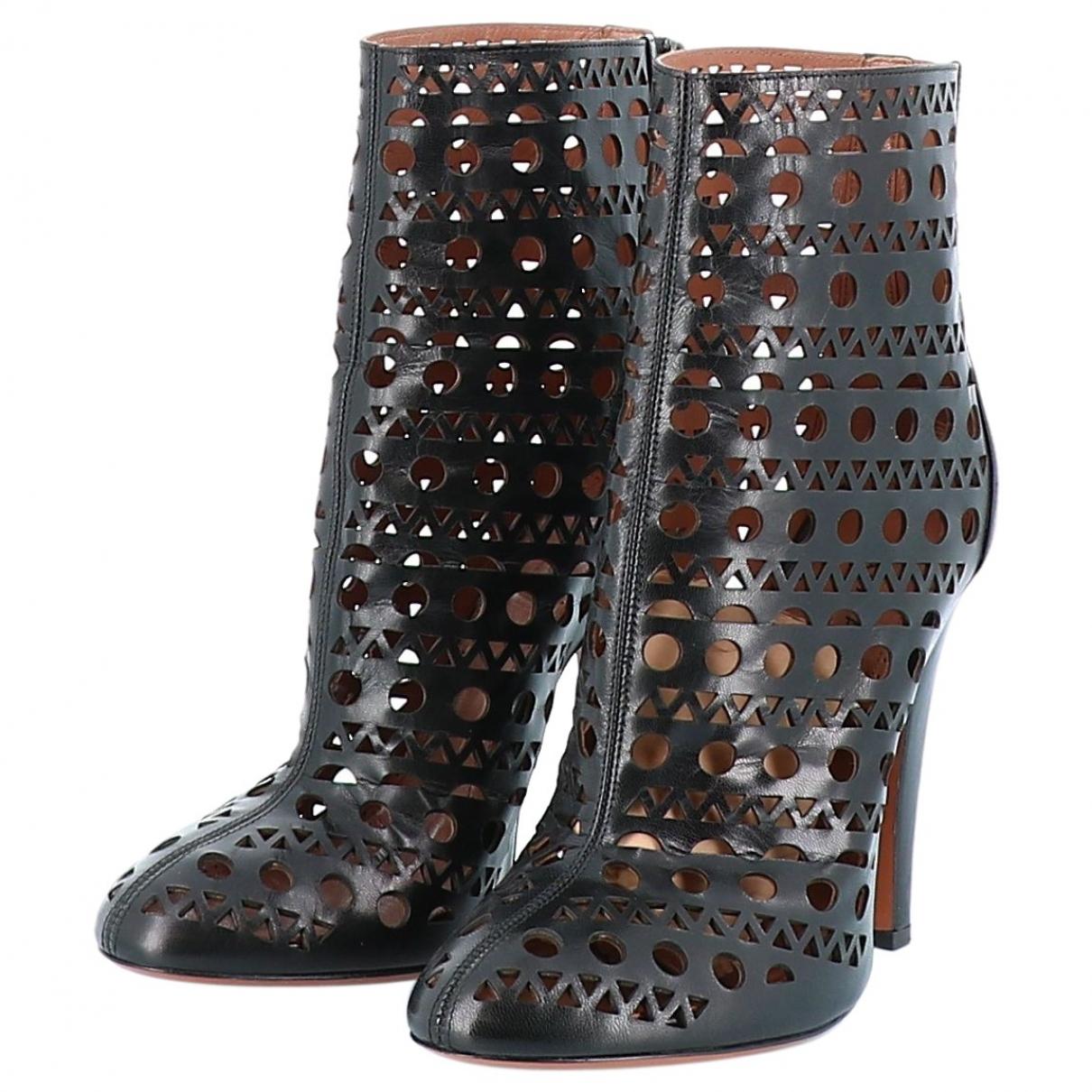 Alaïa \N Black Leather Ankle boots for Women 40 EU