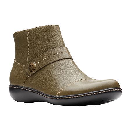 Clarks Womens Ashland Pine Booties Flat Heel, 9 1/2 Medium, Green