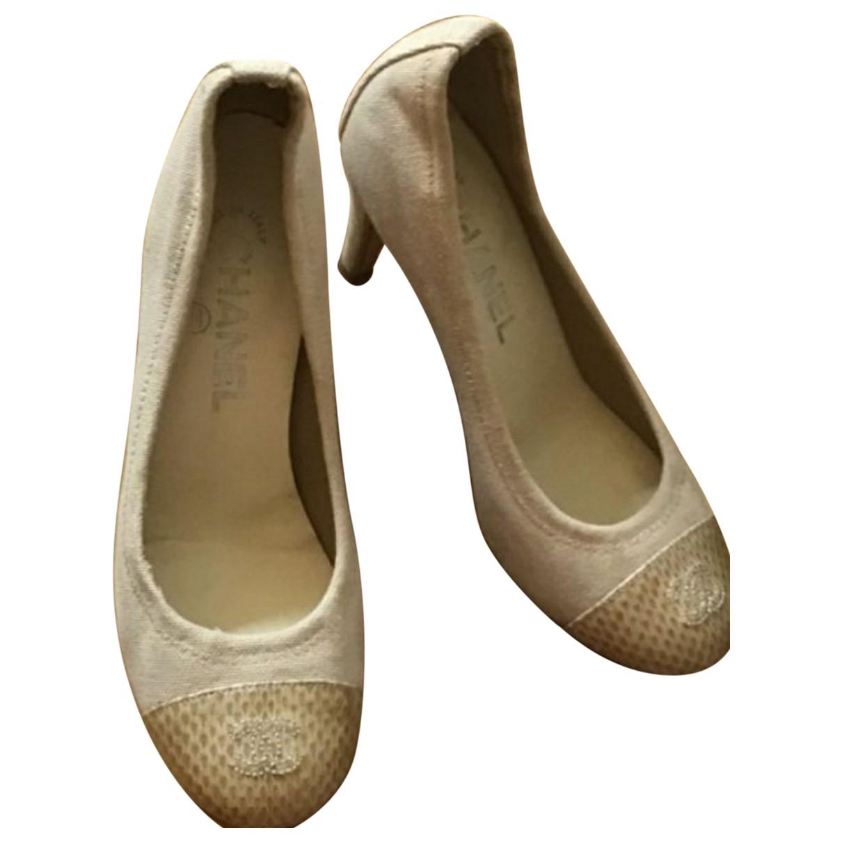 Chanel \N Beige Cloth Flats for Women 36.5 EU