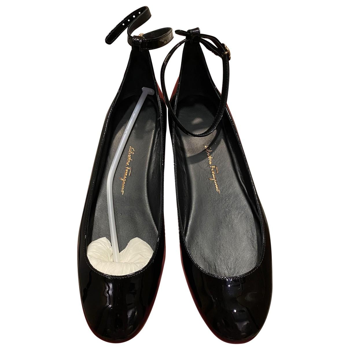 Salvatore Ferragamo \N Black Patent leather Ballet flats for Women 35.5 EU