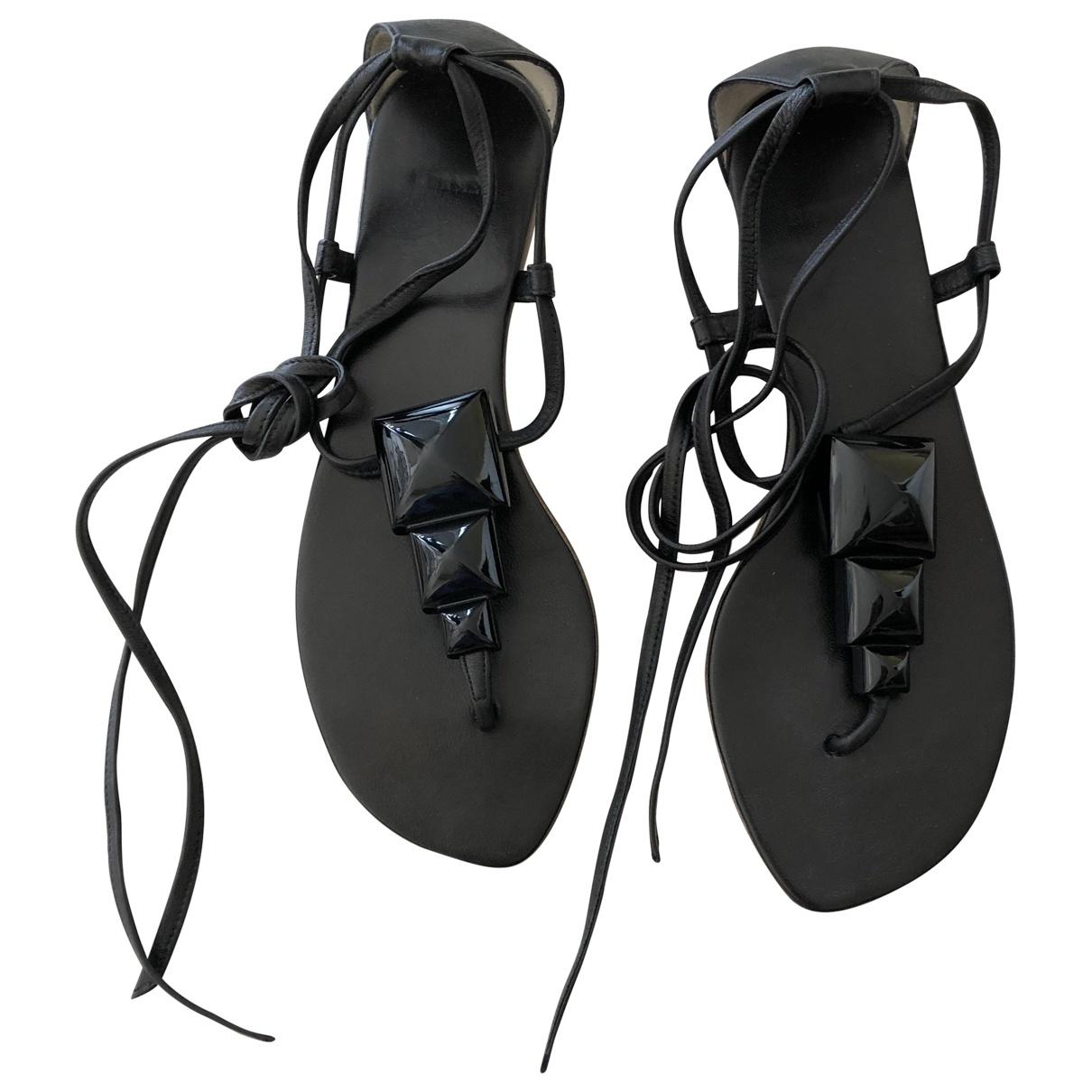 Hermès \N Black Leather Sandals for Women 38 EU