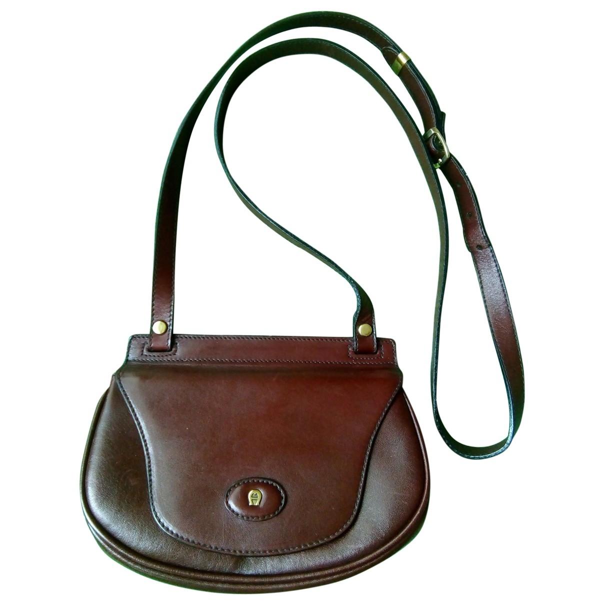 Etienne Aigner \N Burgundy Leather handbag for Women \N