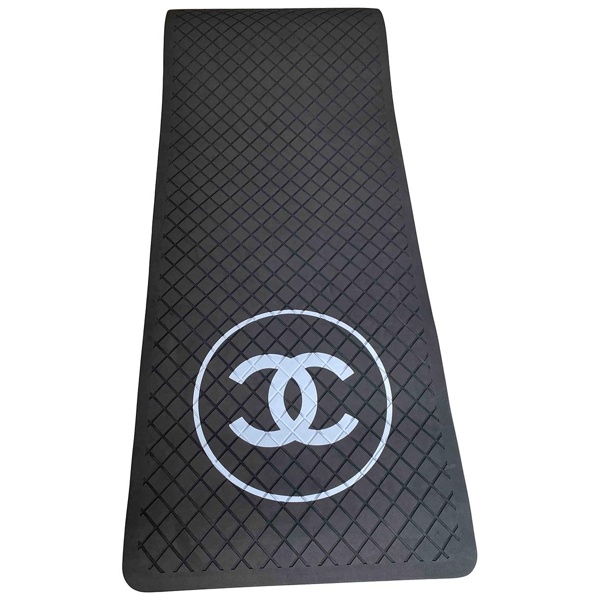 Chanel \N Black Fitness for Life & Living \N