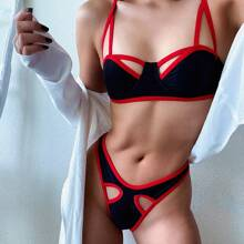 Contrast Binding Cut-out Underwire Bikini Swimsuit
