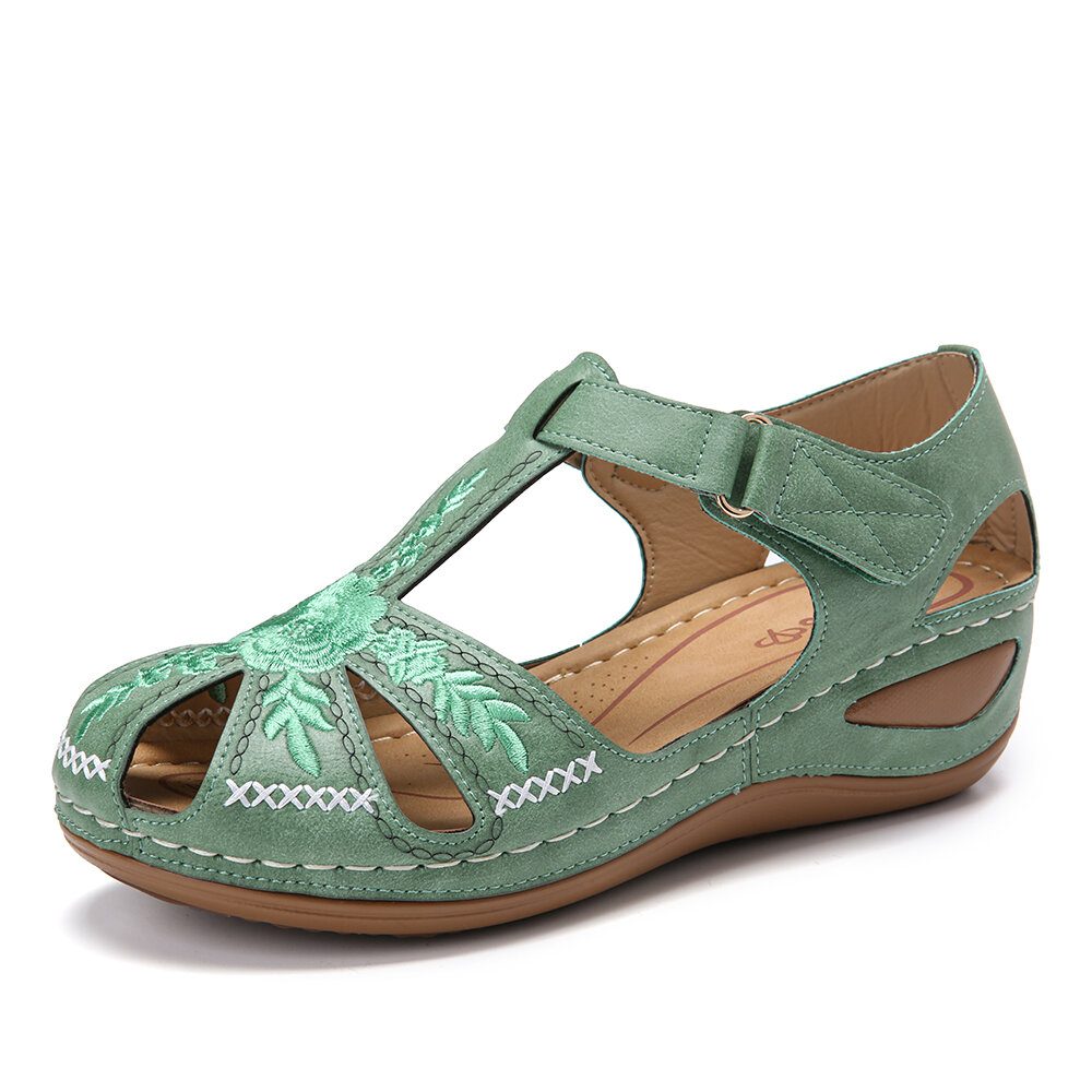 LOSTISY Plus Size Embroidered Hollow Out Flower Hollow Out Summer Fisherman Sandals